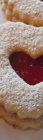 Raspberry Linzer Cookie