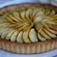 "Don't Let Him Treat You Like a ""French Apple"" Tart"